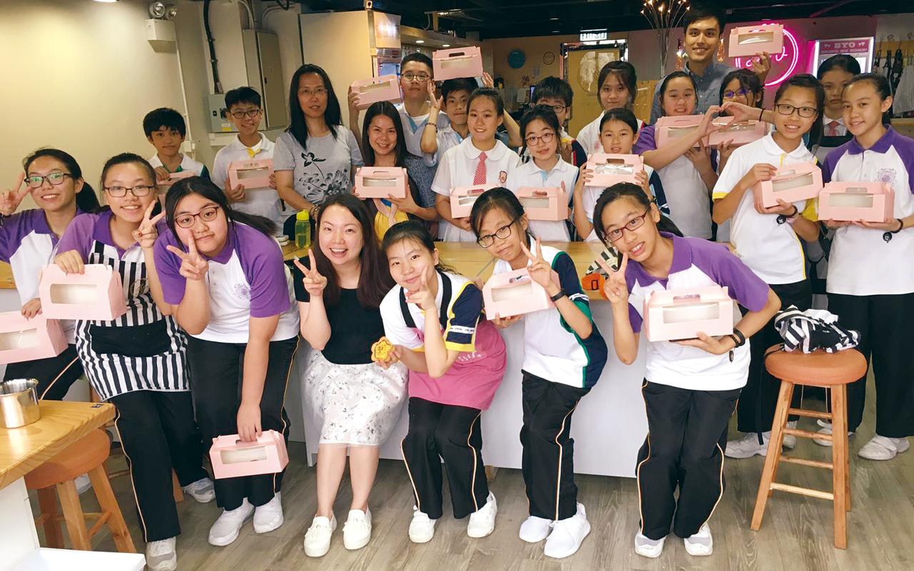 香港享有文化多元的優勢,和國際接軌,馮校長非常支持教學團隊善用資源,營造真實環境。