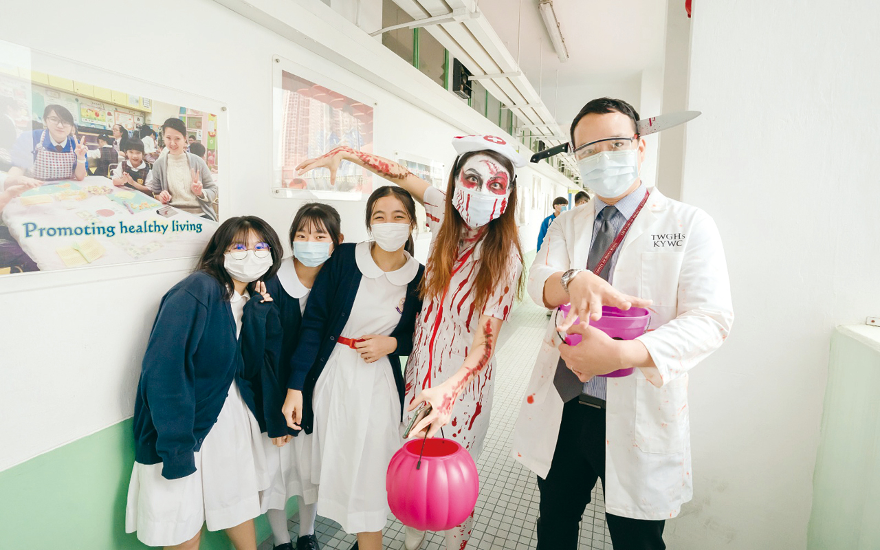 長期沉浸在大量富趣味的英語語境當中,學生自然渴求英語知識。