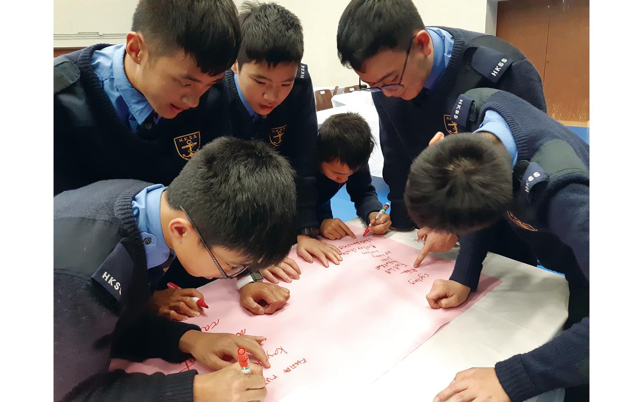 每年的英語社際比賽,同學都會進行合作作文比賽。