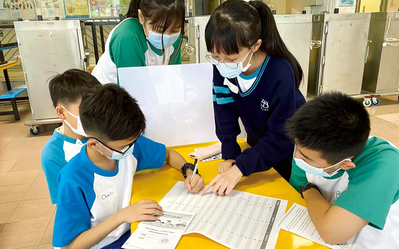 鄭校長細心地加設每星期多一堂科學堂,學生遇到疑難時,老師亦有空間為同學更詳盡解釋。