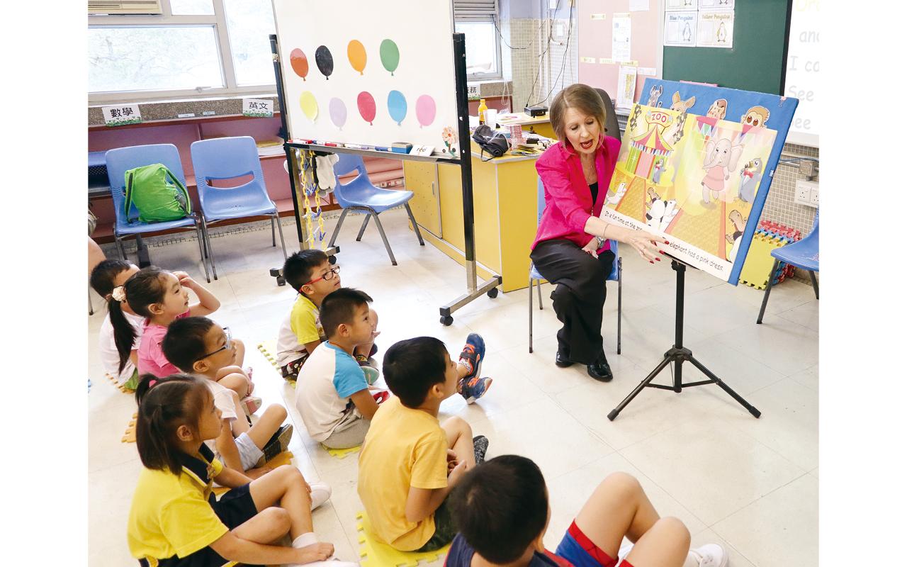 學校對於課程設計有獨特見解,根據學生的成績及需要作編排,因而制定了拔尖補底的分流課程,希望做到因材施教、一視同仁,令學生可以提升學習的興趣。