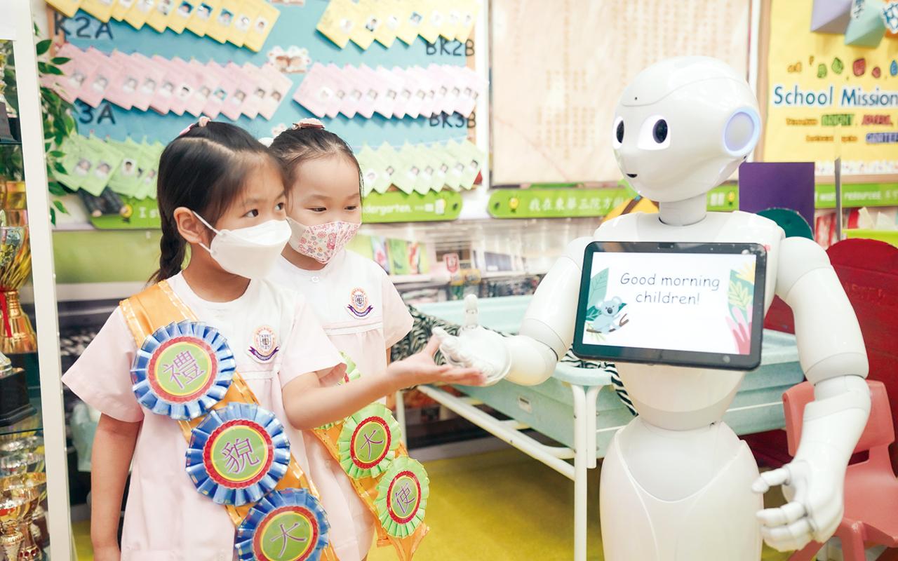 學校認為從小開拓孩子的邏輯思考能力同樣重要,近年教育界十分重視STEM教育。