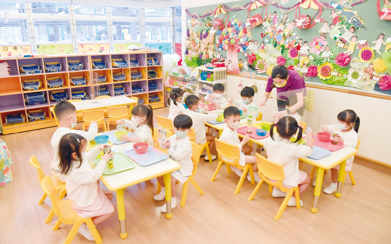 馮校長除了感激優秀的老師團隊,亦十分感謝辦學團體的大力支持,讓學校每年都得以購買先進器材,加強教學成效。