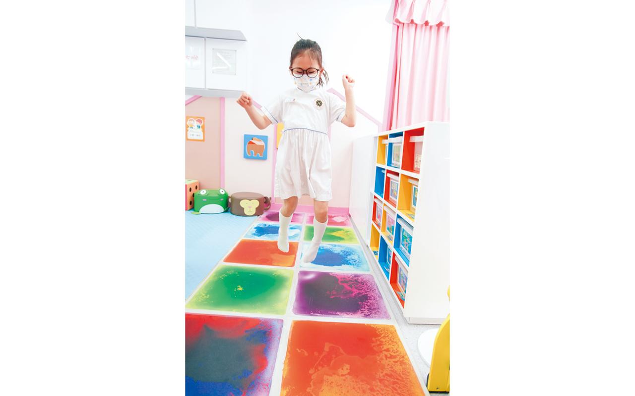 學校透過恆常檢視課程,力求優化和創新教學模式,以豐富學生的學習體驗。