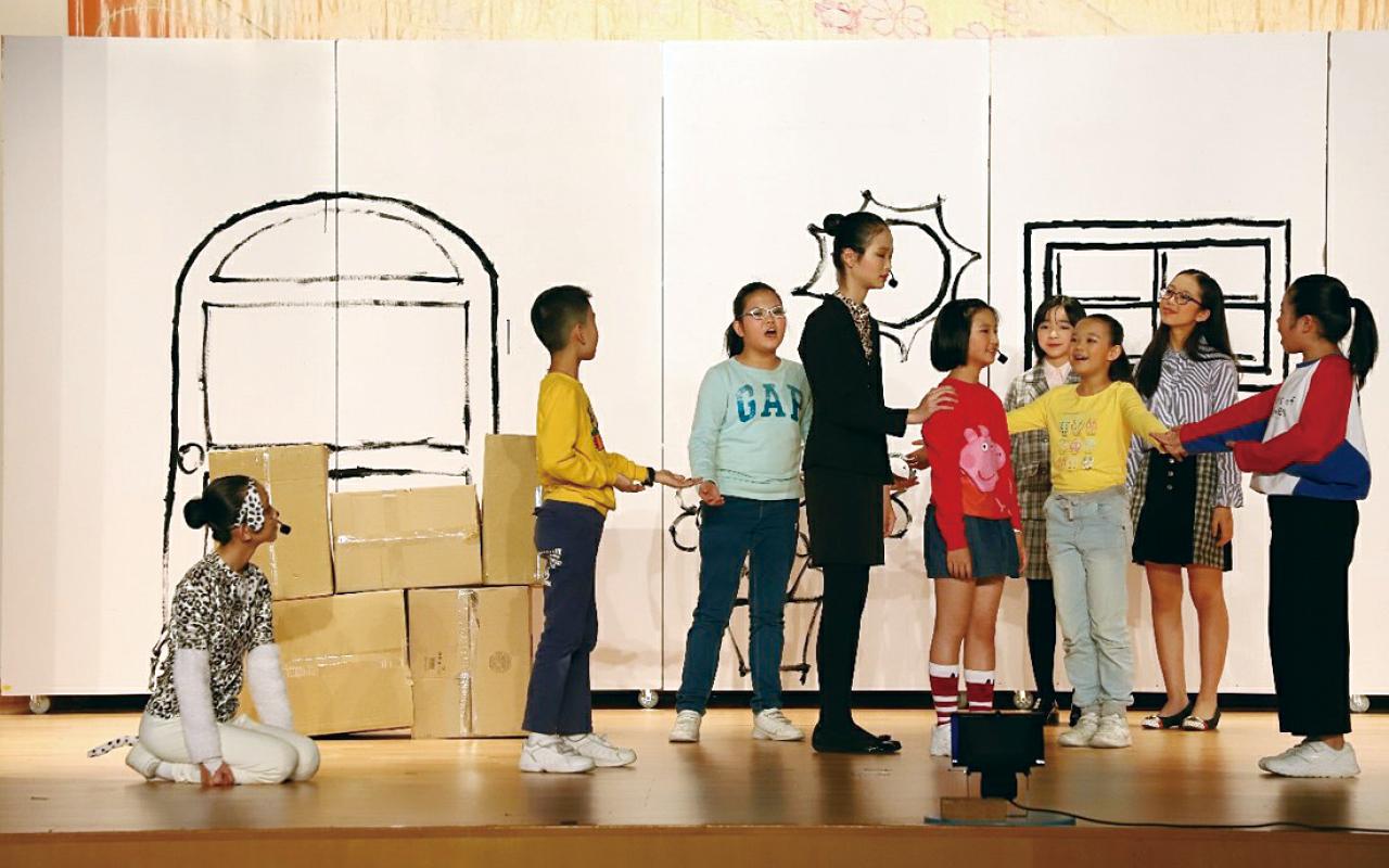 學校上學年亦舉辦幼稚園英語音樂劇,消除孩子對英語學習的不安。