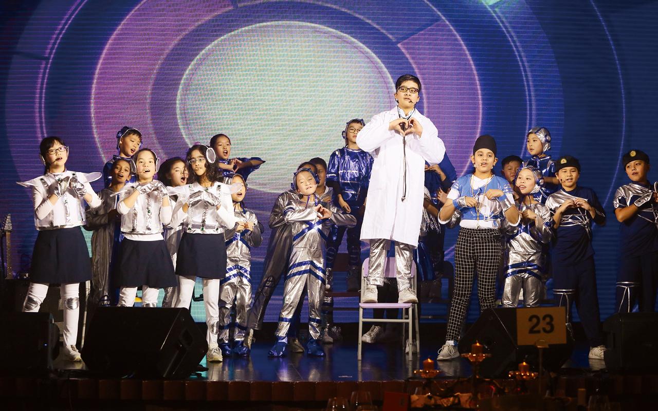 香港校際戲劇節。