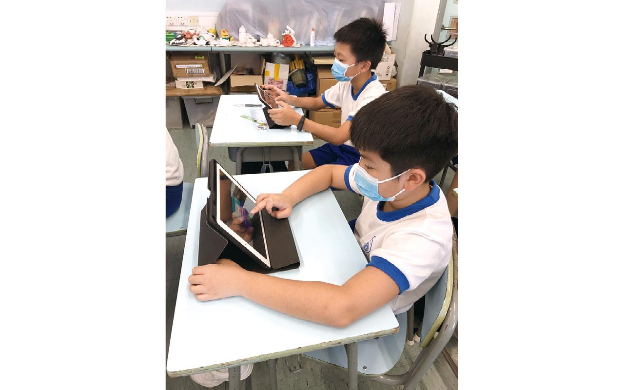 在英語學習方面,新推出的英文創新電子學習平台,有助全方位提升教學效能。