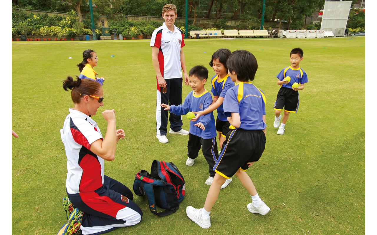 早於2011年起,體育科與木球會合作,把木球、欖球、合球、籃網球等特色的球類活動引入體育科常規課程內,由外籍教練與學校體育老師共同協教。