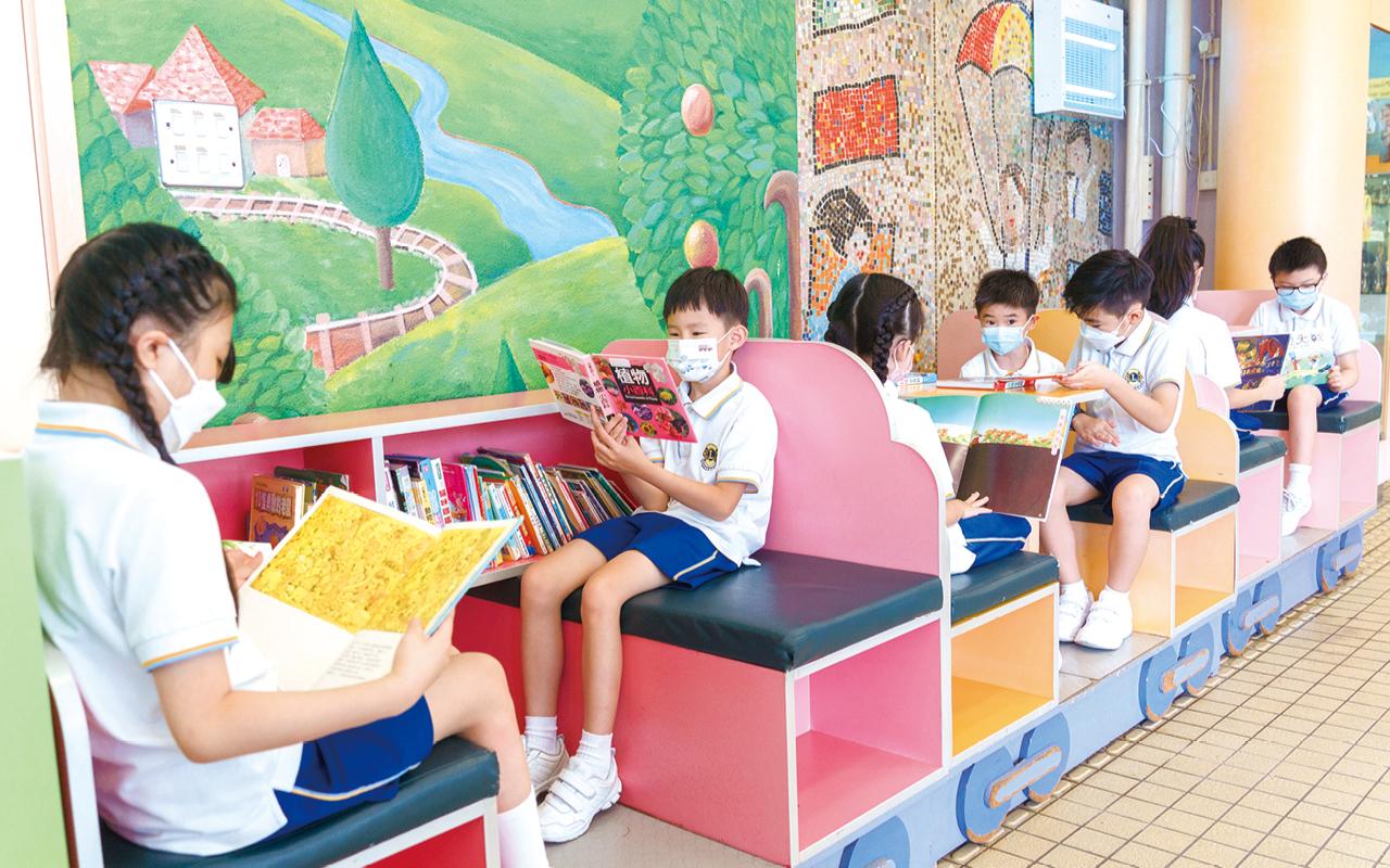 新任校長李文萱校長積極聯繫不同機構及學校合作,延伸和補足課堂學習的局限,鼓勵學生探索不同的領域,擴闊視野。