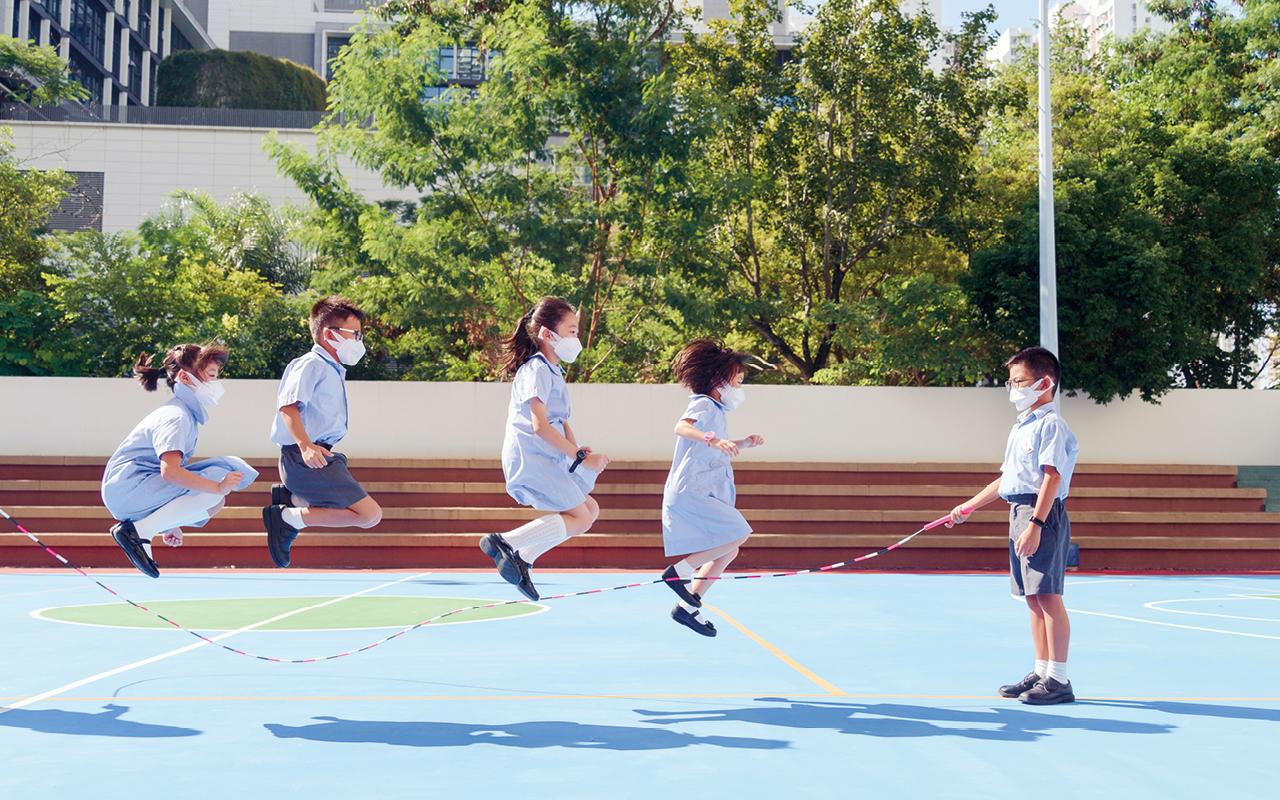 學生在學校裏能夠有一個放鬆心情的空間,放鬆心情,自由發揮創意的空間。