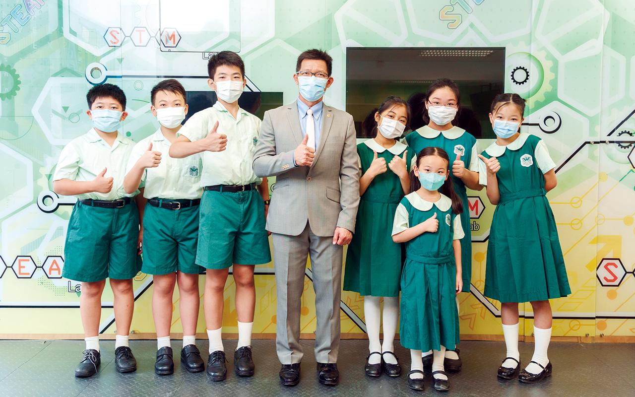 朱偉林校長和教學團隊亦致力發展學校成為「學習型組織」,持續優化課程,並推展「鳳小四習」策略。