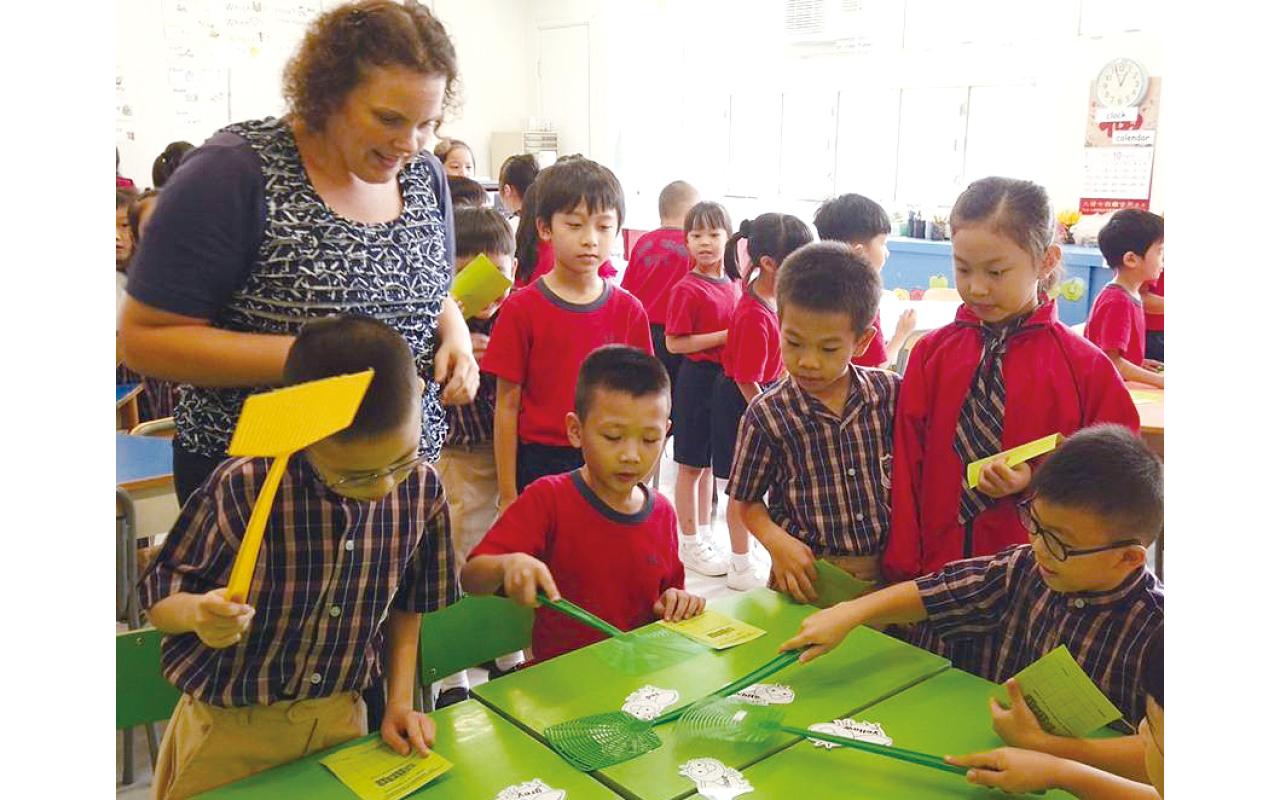 學生習慣英語學習的輕鬆互動氛圍,使他們的英語能力較全港平均水平高。