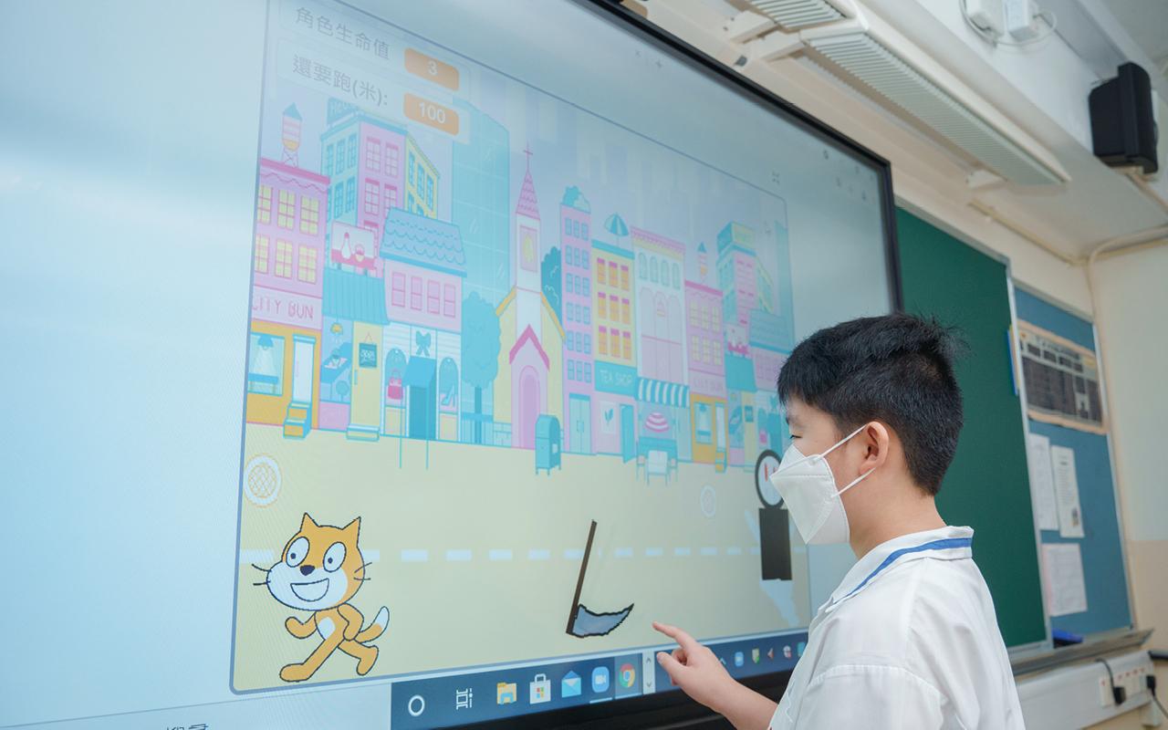 五年級同學利用Scratch製作跑酷遊戲,廣受同學歡迎。