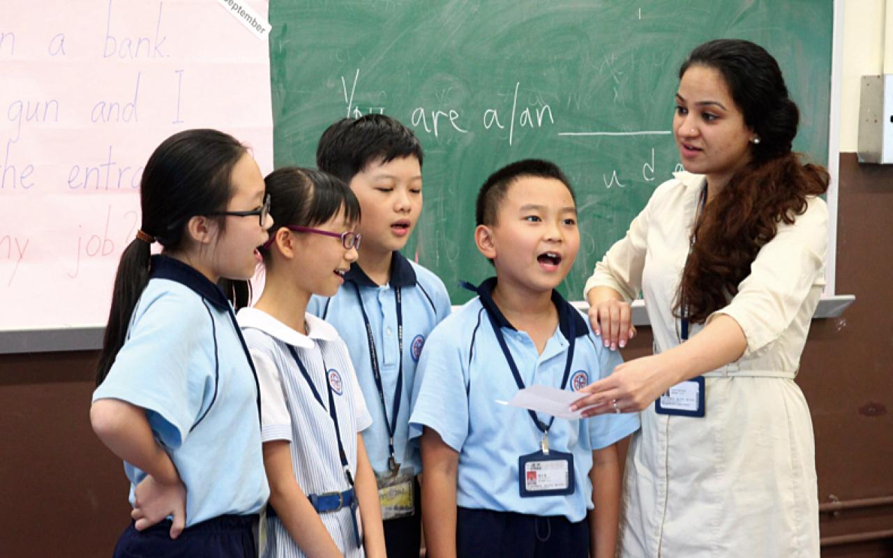 RWI課程配以特別編寫的校本課題,讓學生能在聽故事、說故事之中,吸收大量英語知識,從而啟發學生的創意靈感。