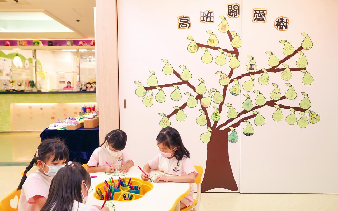 東華三院聯校幼稚園再次深化繪本教學,滲入不同藝術元素,啟發幼兒創意思維。