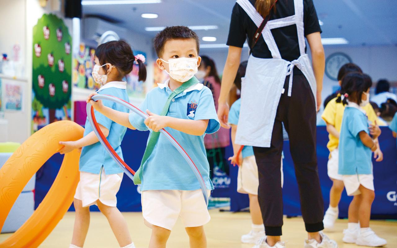 對於幼兒成長而言,體能活動除了幫助他們發 展大小肌肉的操控能力,更能培養群性、認知、創 作力、情緒等能力。