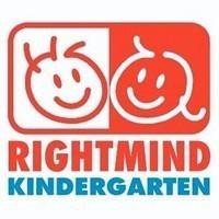 右思維幼稚園的校徽