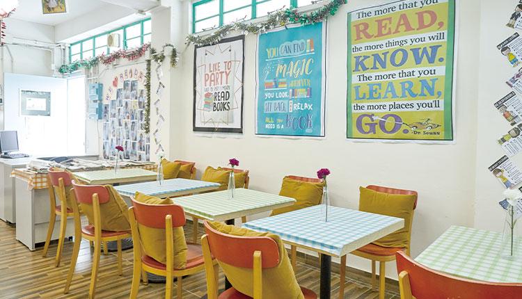 東華三院郭一葦中學校園滿佈學習元素,營造良好語境氛圍。