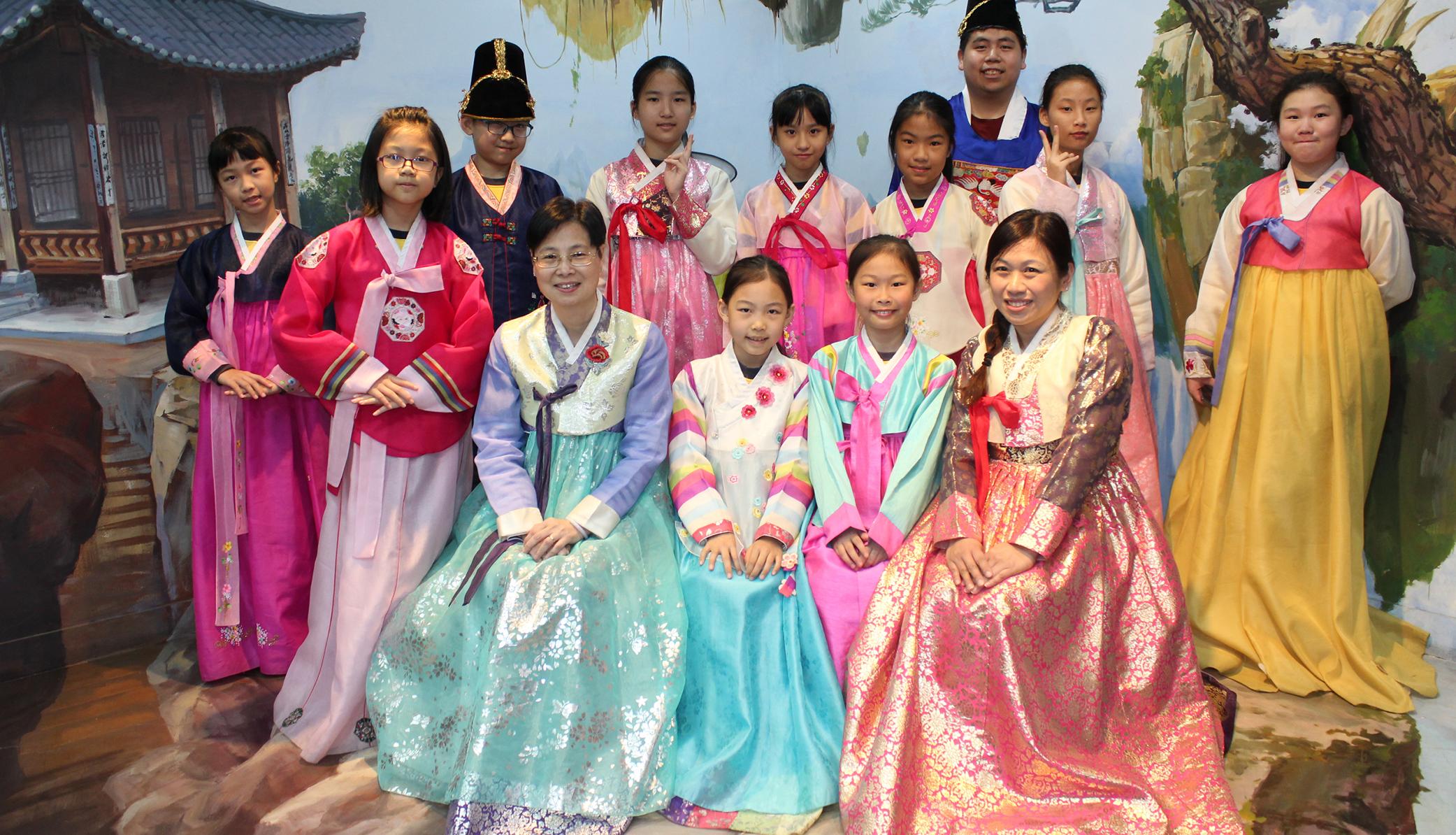 教育傳媒:韓國科技及文化交流之旅,讓學生體驗當地風土人情。