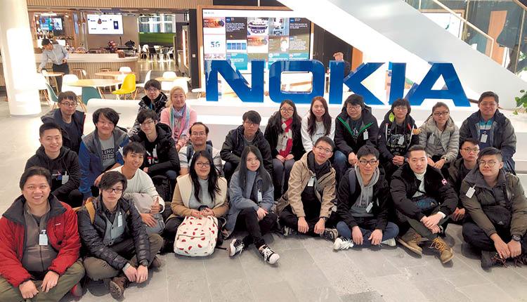 學院透過舉辦不同的交流團,讓同學親身感受各地智能城市的發展及優勢,同學去年就遠赴芬蘭 Nokia 總部參觀。