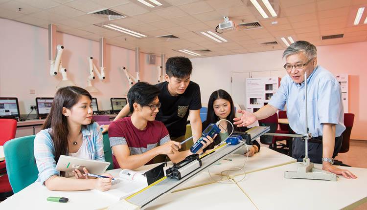 城大理學院課程紥實及實用性高,致力培養具遠見及高技能的專才。
