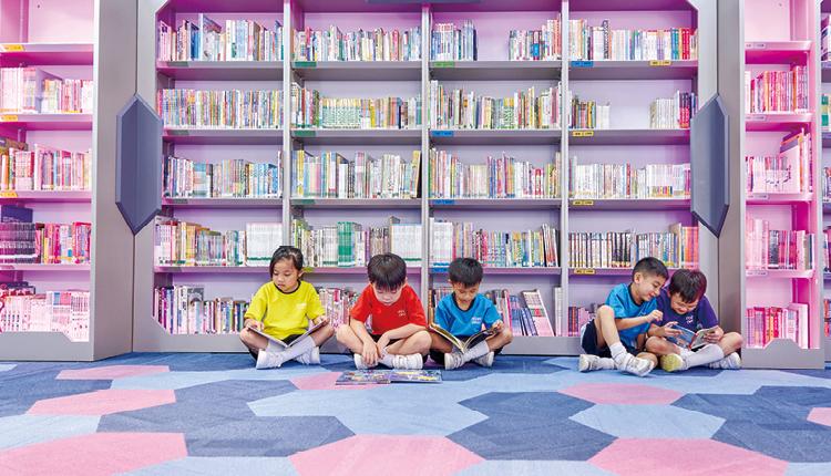 圖書館藏書量豐,加上各種鼓勵閱讀的活動,閱讀氣氛相當濃厚。