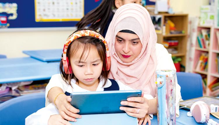 學校增撥資源增聘外籍老師,讓學生有更多機會以地道的英語交流。
