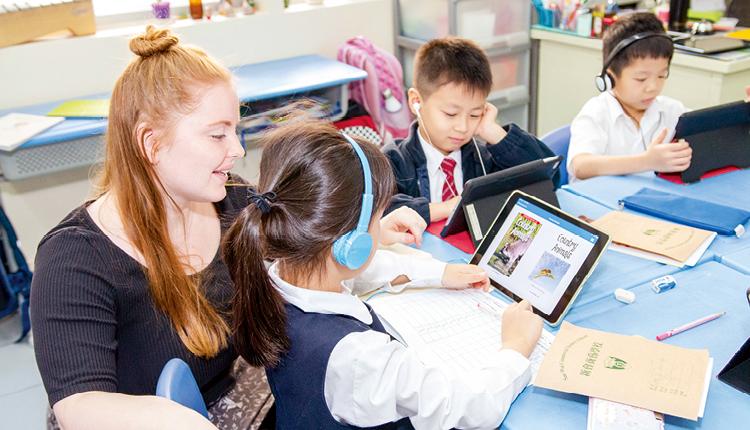 電子教學增加學習靈活性,學生可按自己能力,選擇閱讀不同 程度的書本。