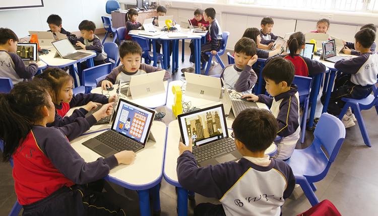 透過編寫程式等 STEM 學習,鍛煉學生的邏輯思維及解難能力。