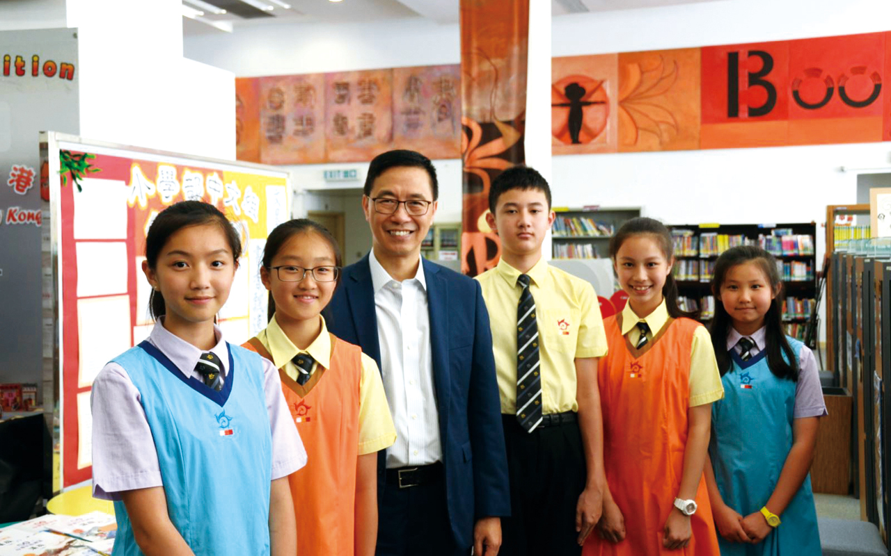 香港教育局局長楊潤雄到校視察。