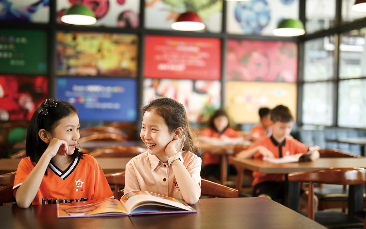 香港培僑書院深圳龍華信義學校將秉承香港培僑中學創校七十多年來一直提供寄宿生活的優良傳統,給予部分高小學生及全體中學生在校內寄宿的機會。